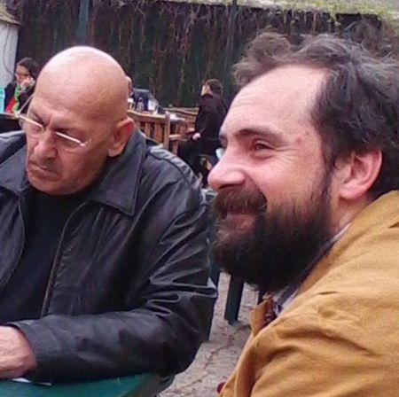 """Pe terasa Cafenelei """"La Muzeu"""", alături de Eugen Suciu"""